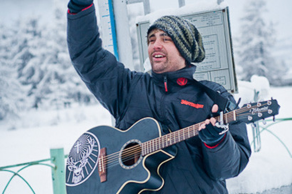 Live And Loud: Charlie Simpson's Ice Cold Gig With Jagermeister