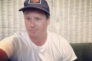 Tom DeLonge Is Making His Own Sci-Fi TV Show