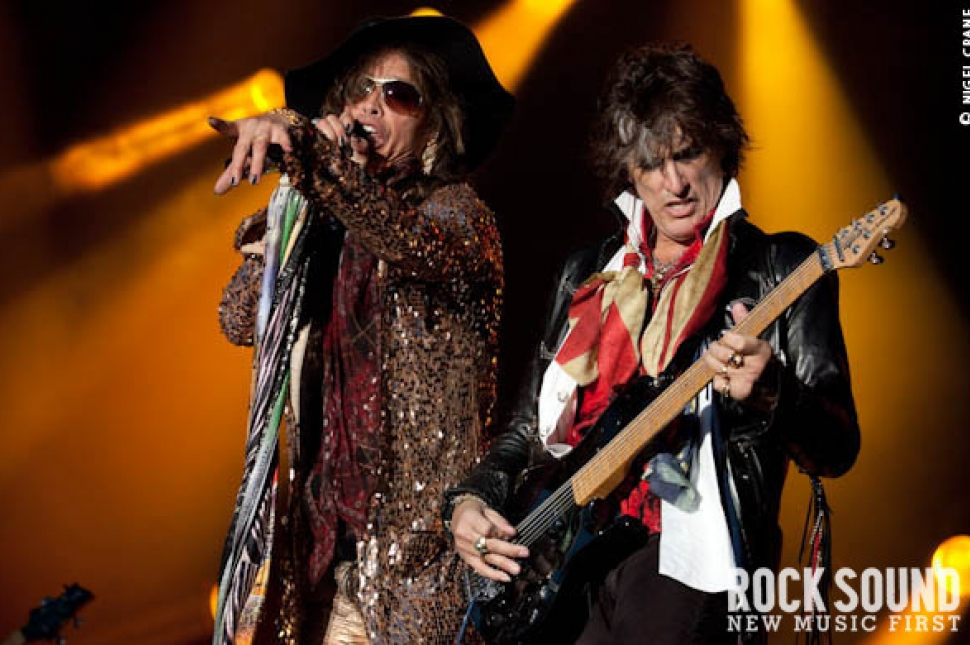 Download 2010: Aerosmith Live And Loud