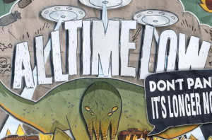 This Easter Egg In The Artwork For All Time Low's 'Don't Panic' Is Surprising Everyone