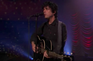 Watch Billie Joe Armstrong Perform An Amazing 'Ordinary World' On The Tonight Show