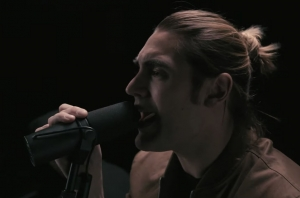 Charlie Simpson Has Released Laid Back Acoustic Version Of His Latest Single 'Blameless'