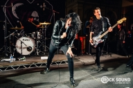 6 Photos Of Creeper Bursting Out Of The Black At Warped UK