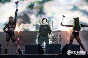 This Is What Fall Out Boy's HUGE Reading Set Looked Like
