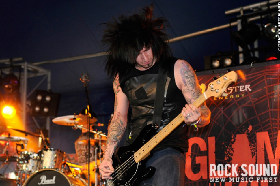 Download 2010: Glamour Of The Kill Live And Loud