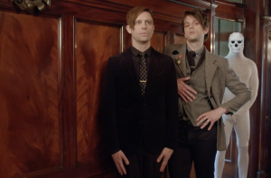 WATCH: iDKHOW Perform 'Christmas Drag' Live At Special Festive Show