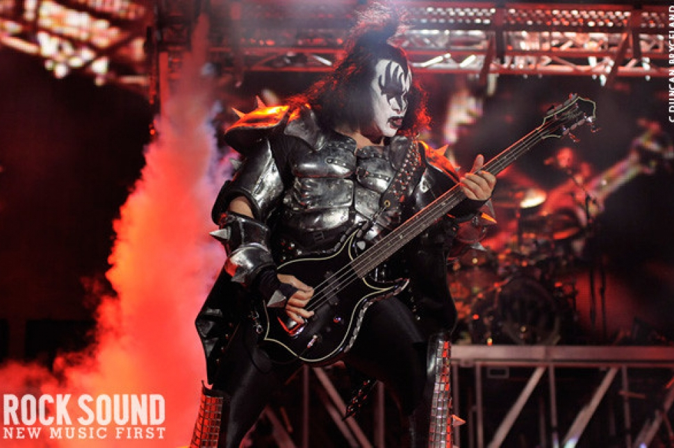 Live And Loud: KISS