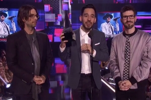 Linkin Park Dedicated Their American Music Awards Win To Chester Bennington