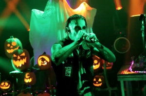 WATCH: Motionless In White Perform 'Creatures X: To The Grave' As Part Of Their 'Deadstream'