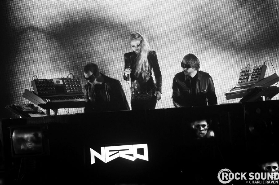 Live And Loud: Nero