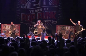 This Is What A New Found Glory Show Looks Like