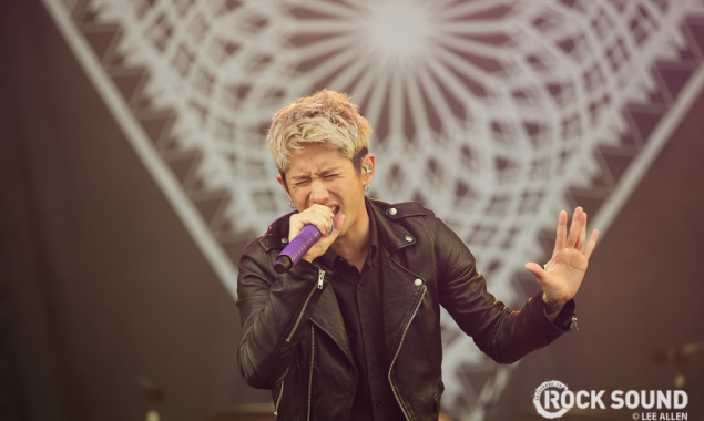 18 Photos Of One OK Rock Overcoming The Odds At Download Festival
