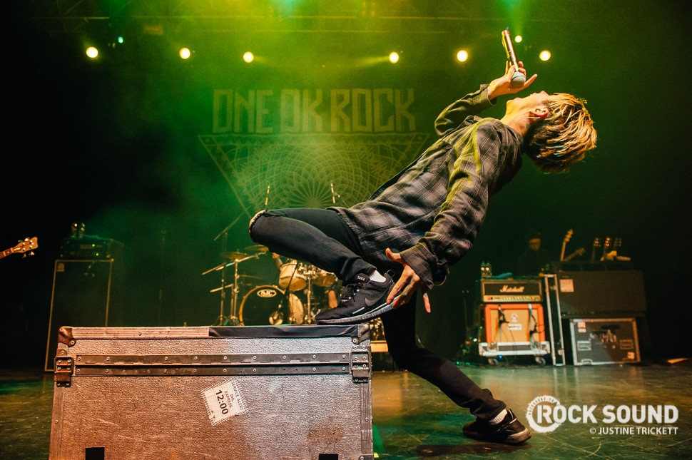 18 Photos Of One OK Rock, We Came As Romans + Dead! Taking