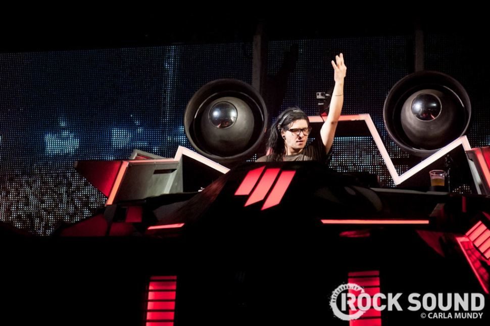 8 Pictures Of Skrillex In His Massive Spaceship At Leeds Festival 2013