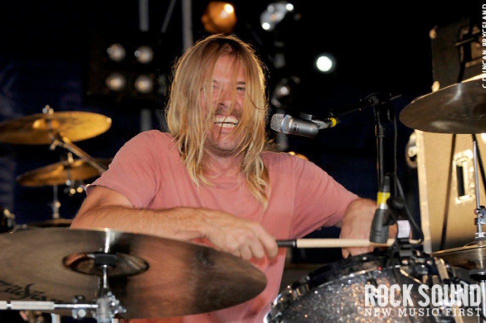 Download 2010: Taylor Hawkins And The Coattail Riders Live And Loud