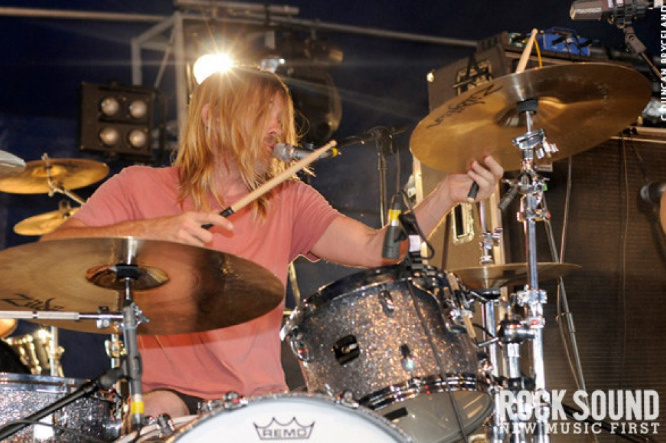 Download 2010: Taylor Hawkins And The Coattail Riders Live