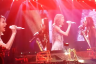 Watch Taylor Swift Perform 'I Don't Want To Miss A Thing' With Steven Tyler