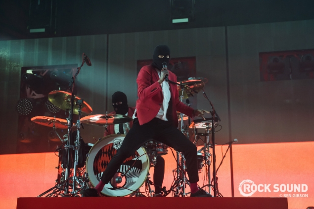 This Is What We Learned At Twenty One Pilots' Emøtiønal Røadshøw