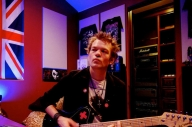 Deryck Whibley Gets Set To Revisit 'The Red Wine Chronicles'